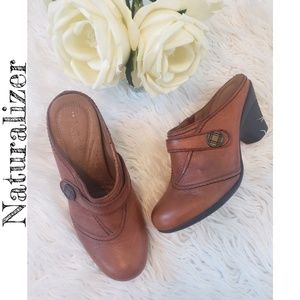 Naturalizer Leather Clogs